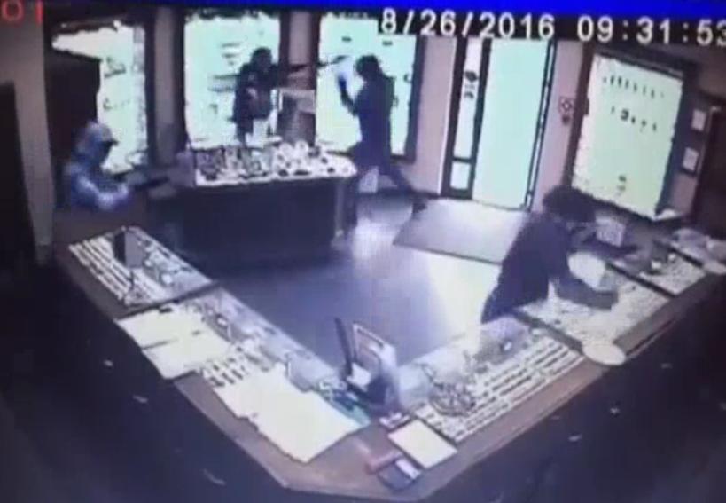 video smash grab overval, gewelddadige overval ruslan, gewelddadige overval video