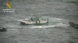 Vissersboot onder observatie vanuit de lucht © Guardia Civil