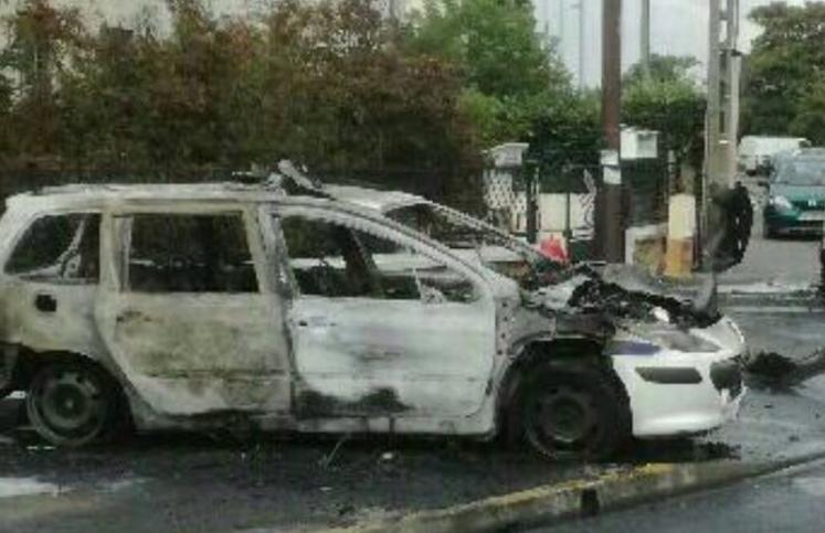 la grande borne molotov, banlieue parijs molotovcocktail, politie geweld frankrijk