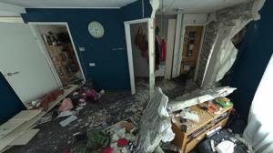 VIDEO: Politie dreigt foto en naam verdachte zware explosie Urk bekend te maken