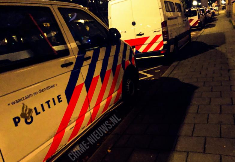 Dode en meerdere personen gewond bij steekpartij op straatAmsterdam.